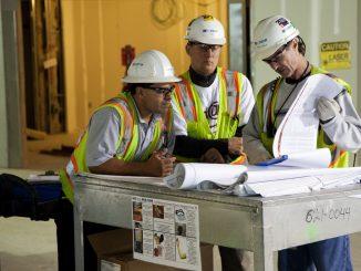 contractors reading plans